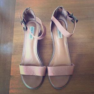 Steve Madden sandals 💛🌼